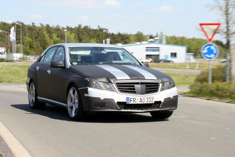 [Mercedes] E63 AMG 75809653d61883783fb0e7c16a5b2d20