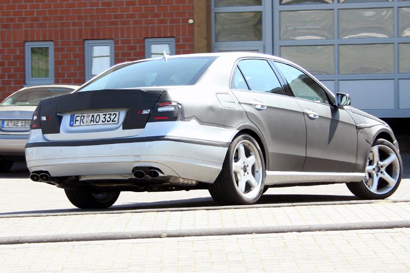 [Mercedes] E63 AMG Aca6166c633c1d2bc1a4de6562eca0b4