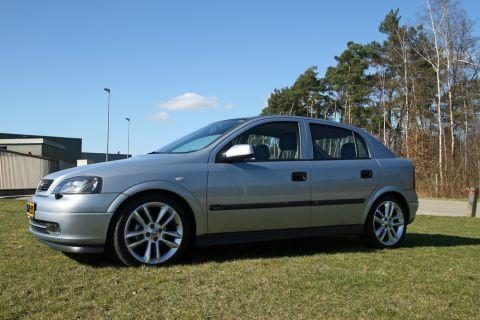 Opel Astra 1 6i 16v Diamond 2000 Gebruikerservaring